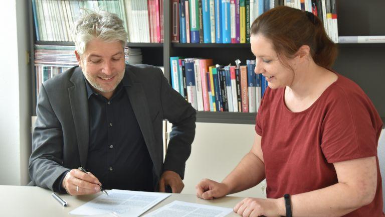 Tobias Richter und Catharina Tibken befassen sich an der Universität Würzburg mit Ursachen von Minderleistung bei Hochbegabung.
